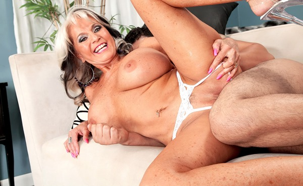 busty-old-lady-getting-her-pussy-pounded