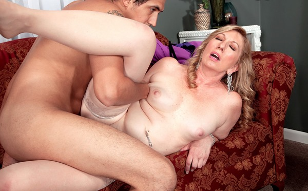 horny-milf-getting-fucked