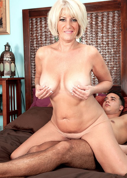 desire-collins-riding-a-hot-stud